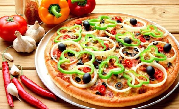 Cibo-cibo-pizza-gustosa-bulgaro-pepe-aglio-600x365